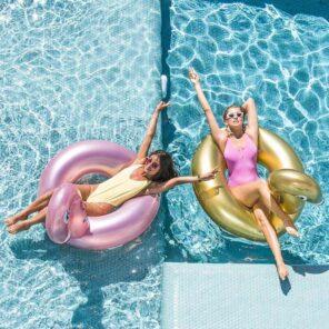 Swim essentials: Opblaasbare Rosé gouden Flamingo zwemband groot