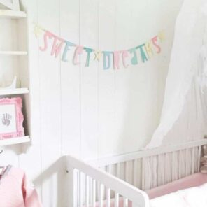 A little Lovely Company: letterbanner pastel