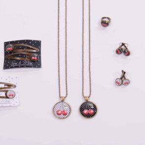 Hangoorbellen Kersen Zwart